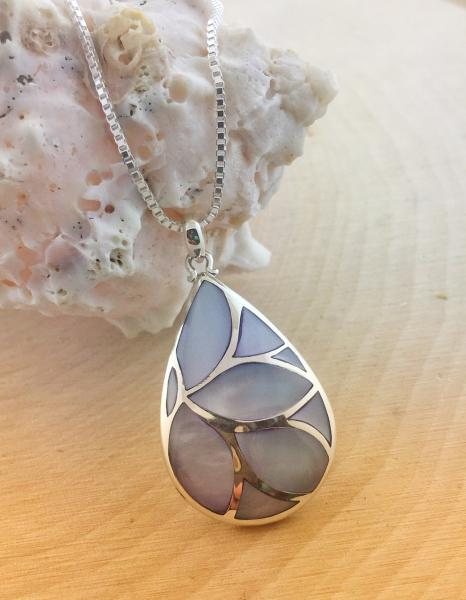 Sterling silver purple mother of pearl necklace