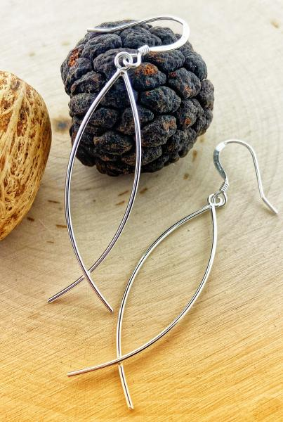 sterling silver dangle earring. $37.00