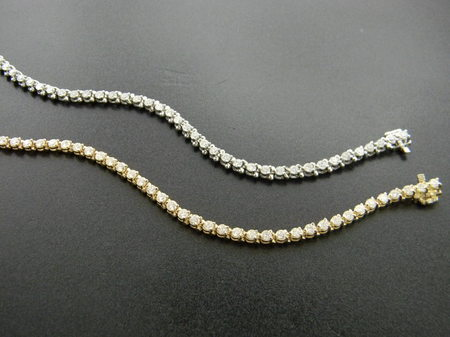 The tennis bracelet. Available in the diamond size of your choice. Platinum, 14 & 18 karat gold.